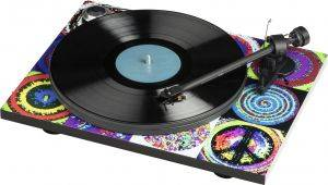 Pro Ject Peace & Love Turntable ESSENTIAL III (OM10) - SPECIAL EDITION: RINGO STARR